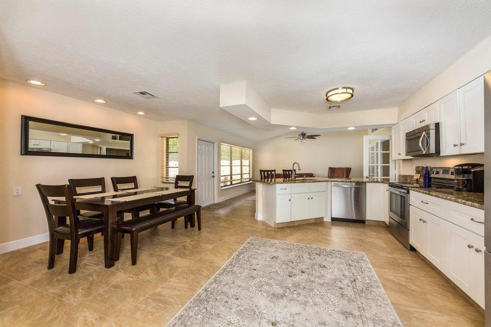 Additional photo for property listing at 3837 SW Sailfish Drive 3837 SW Sailfish Drive Palm City, Florida 34990 United States