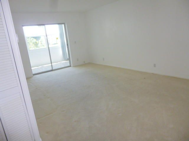 Additional photo for property listing at 230 NE 26th Avenue  Boynton Beach, Florida 33435 United States