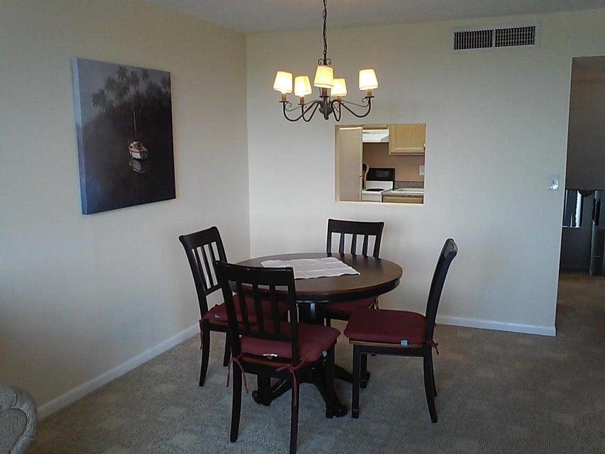 Additional photo for property listing at 755 Dotterel Road 755 Dotterel Road 德尔雷比奇海滩, 佛罗里达州 33444 美国