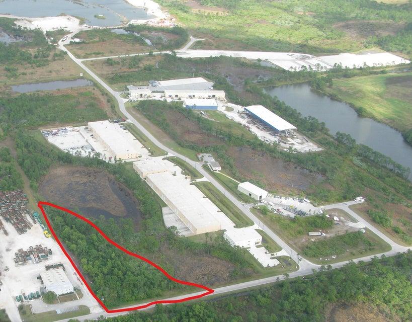 Industriell für Verkauf beim 8981 SW Busch Street 8981 SW Busch Street Palm City, Florida 34990 Vereinigte Staaten