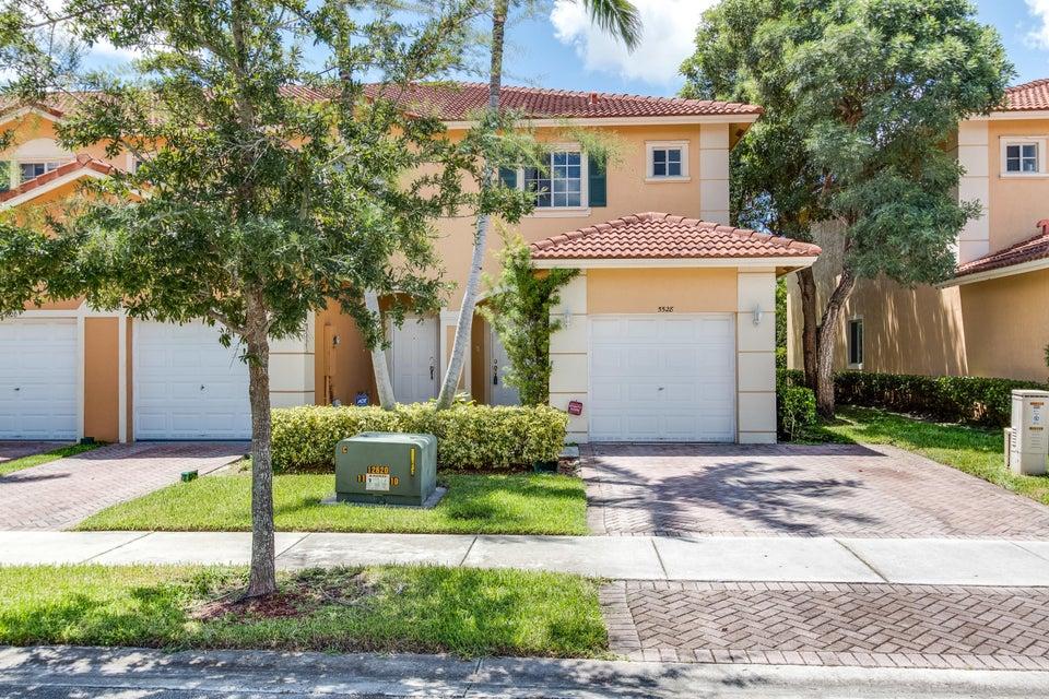 Stadthaus für Verkauf beim 5528 Monte Carlo Lane Margate, Florida 33068 Vereinigte Staaten