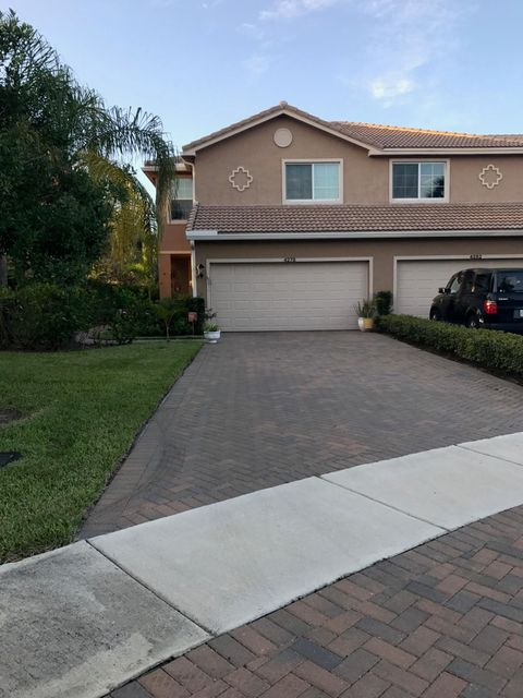 Townhouse for Sale at 4278 Colony View Drive 4278 Colony View Drive Lake Worth, Florida 33463 United States
