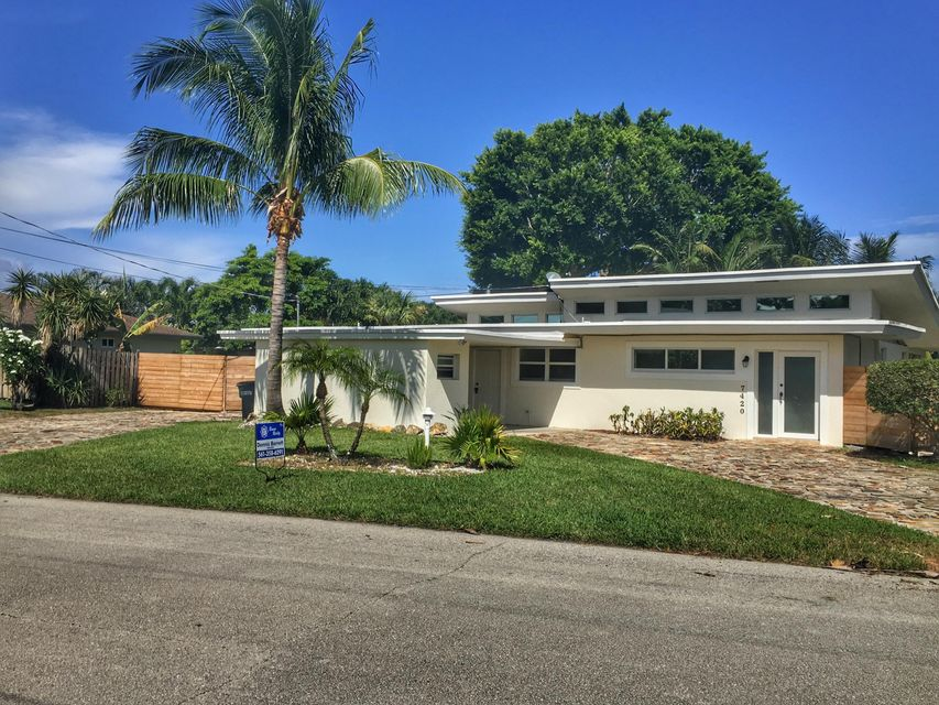 Casa Unifamiliar por un Venta en 7420 Venetian Way Lake Clarke Shores, Florida 33406 Estados Unidos