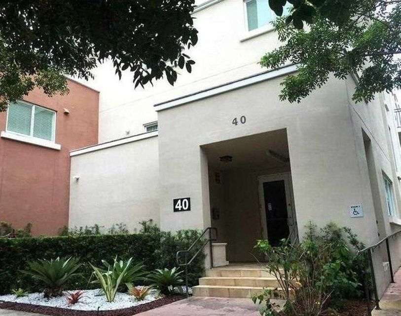 Co-op / Condo for Rent at 40 Calabria Avenue Coral Gables, Florida 33134 United States