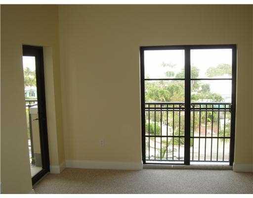 Additional photo for property listing at 2501 N Ocean Boulevard 2501 N Ocean Boulevard Fort Lauderdale, Florida 33305 Estados Unidos