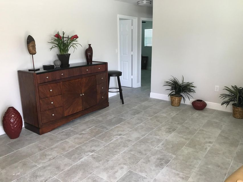 Additional photo for property listing at 1424 Stoneway Lane  West Palm Beach, Florida 33417 Vereinigte Staaten