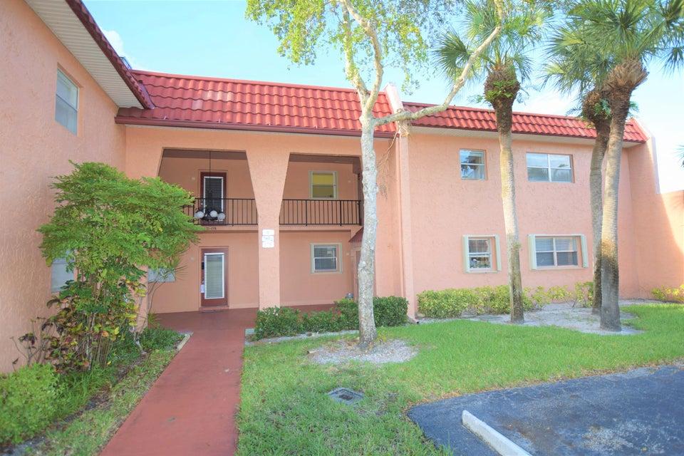合作社 / 公寓 为 销售 在 161 Lake Carol Drive 161 Lake Carol Drive 西棕榈滩, 佛罗里达州 33411 美国
