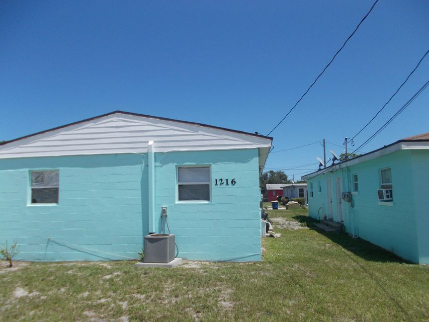 Duplex for Sale at 1216 17th Street 1216 17th Street Fort Pierce, Florida 34950 United States