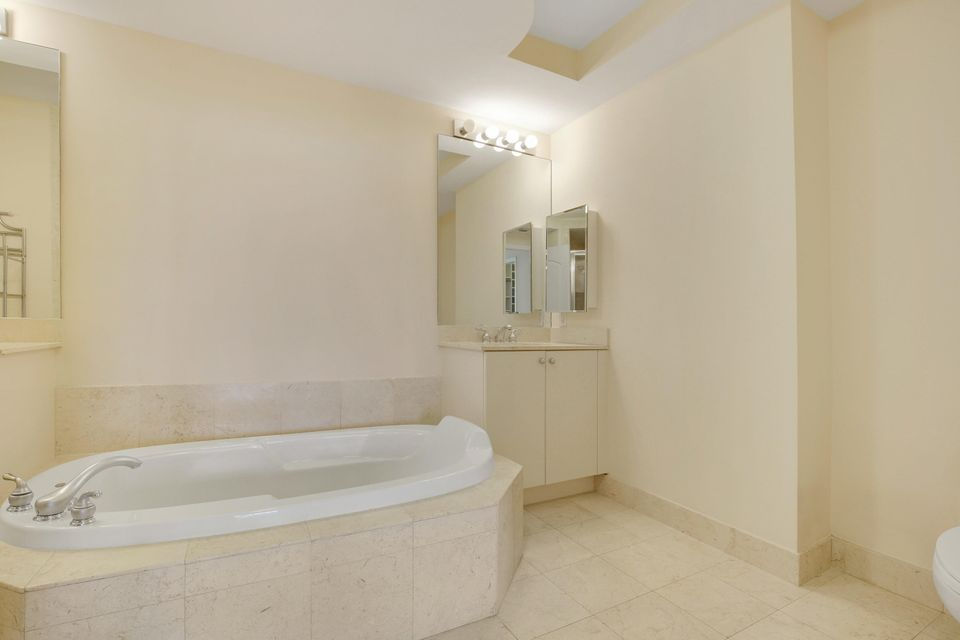 Additional photo for property listing at 801 S Olive Avenue  West Palm Beach, Florida 33401 Estados Unidos