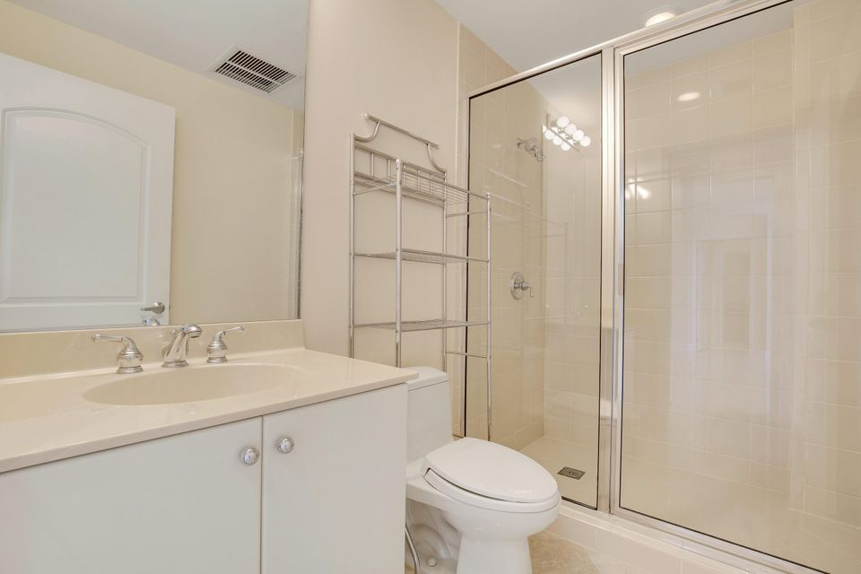 Additional photo for property listing at 801 S Olive Avenue 801 S Olive Avenue 西棕榈滩, 佛罗里达州 33401 美国