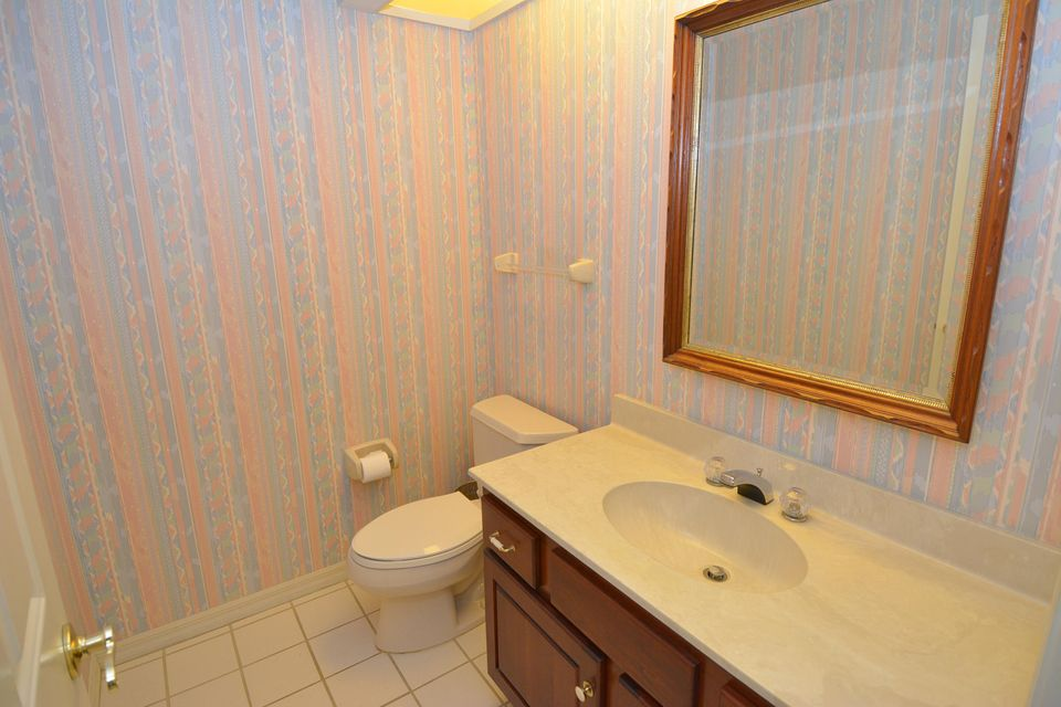 Additional photo for property listing at 4581 SW Parkgate Boulevard 4581 SW Parkgate Boulevard Palm City, Florida 34990 United States