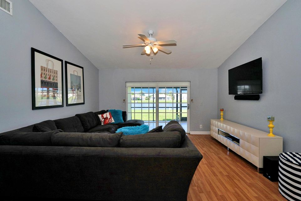 Additional photo for property listing at 8511 Lake Point Court  Lake Worth, Florida 33467 Vereinigte Staaten