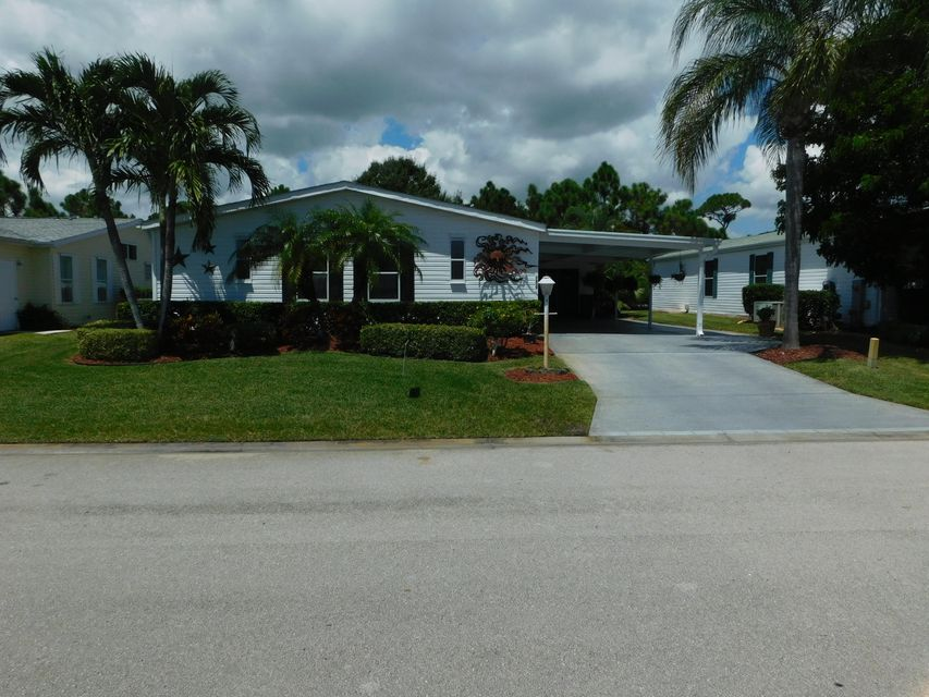 Móvil / Fabricado por un Venta en 7839 White Ibis Lane 7839 White Ibis Lane Port St. Lucie, Florida 34952 Estados Unidos