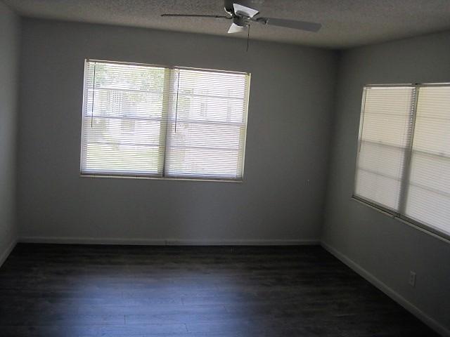 Additional photo for property listing at 233 Farnham J 233 Farnham J Deerfield Beach, Florida 33442 États-Unis