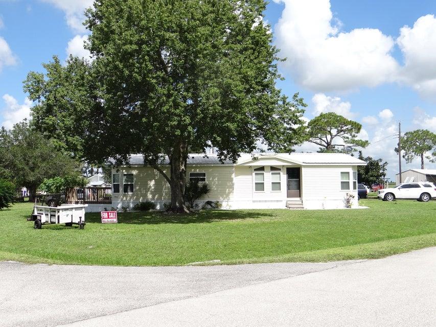 Mobile / Hergestellt für Verkauf beim 17503 Brynwood Lane 17503 Brynwood Lane Okeechobee, Florida 34974 Vereinigte Staaten