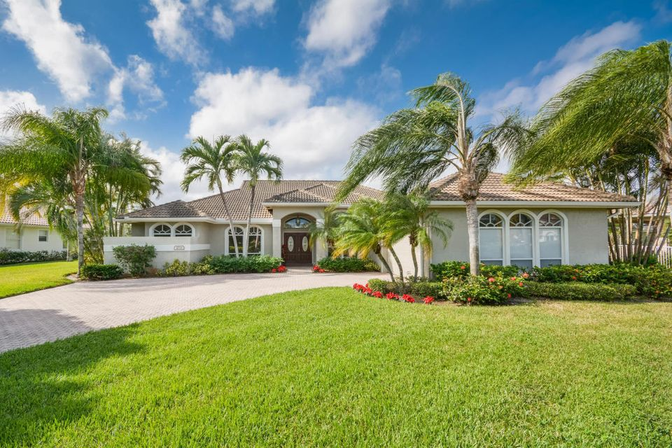 2733 Seneca Circle  West Palm Beach, FL 33409
