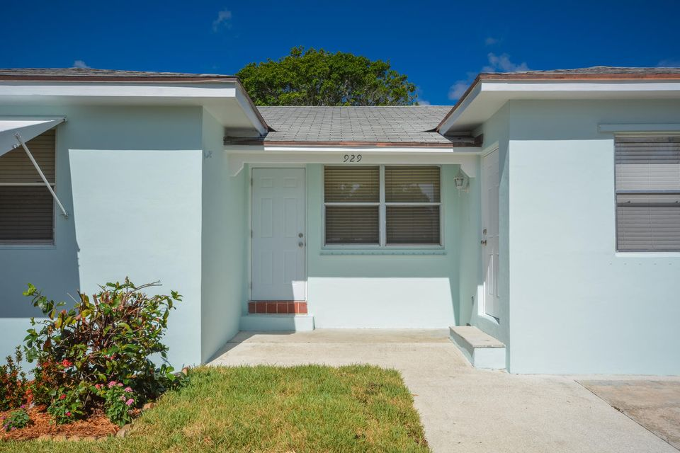Single Family Home for Sale at 929 N Palmway 929 N Palmway Lake Worth, Florida 33460 United States