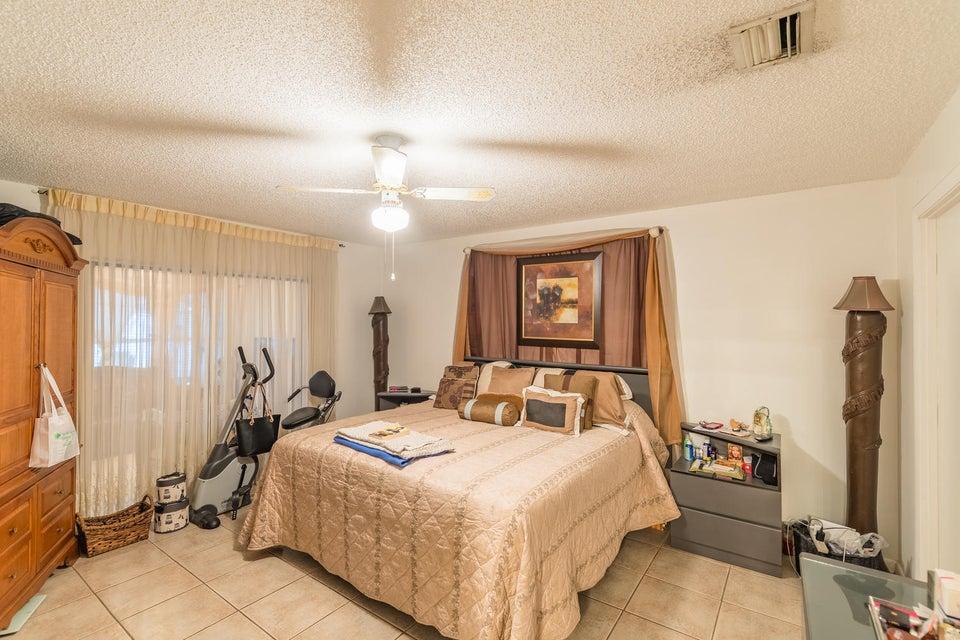 5945 Lincoln Circle Lake Worth, FL 33463 photo 10
