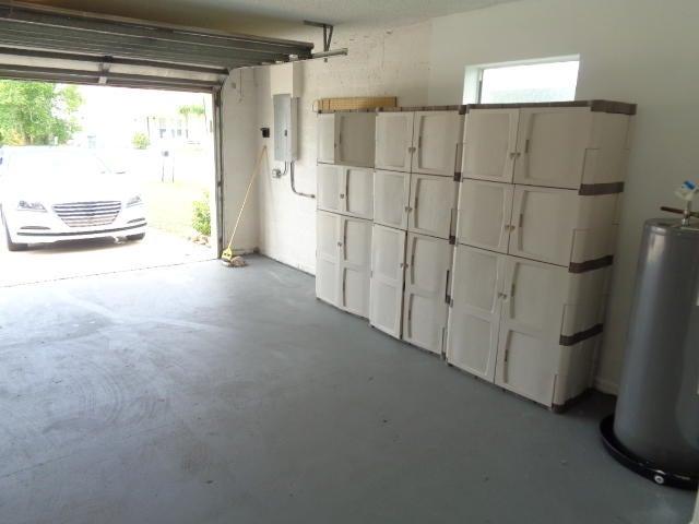Co-op / Condo للـ Rent في 1334 S Killian Drive Lake Park, Florida 33403 United States