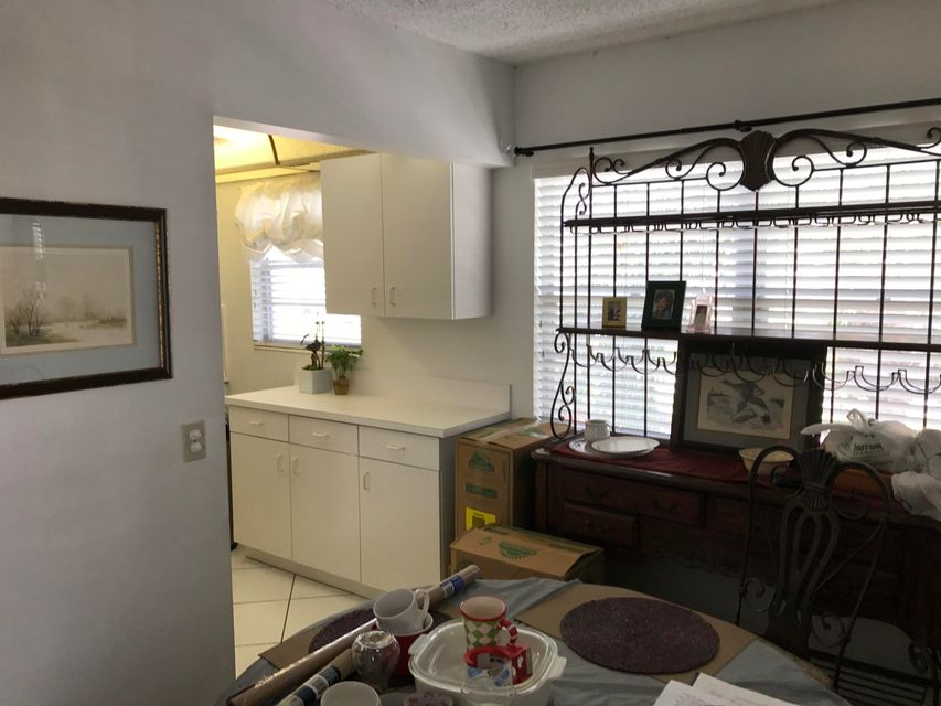 Additional photo for property listing at 216 Normandy 216 Normandy Delray Beach, Florida 33484 États-Unis