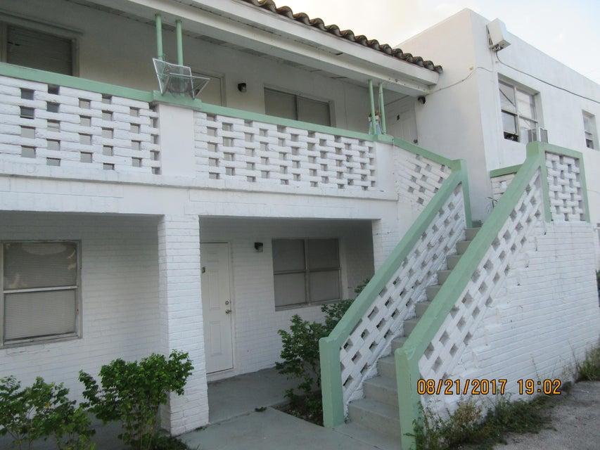 Wohnung für Verkauf beim 1017 Palm Beach Lakes Boulevard 1017 Palm Beach Lakes Boulevard West Palm Beach, Florida 33401 Vereinigte Staaten