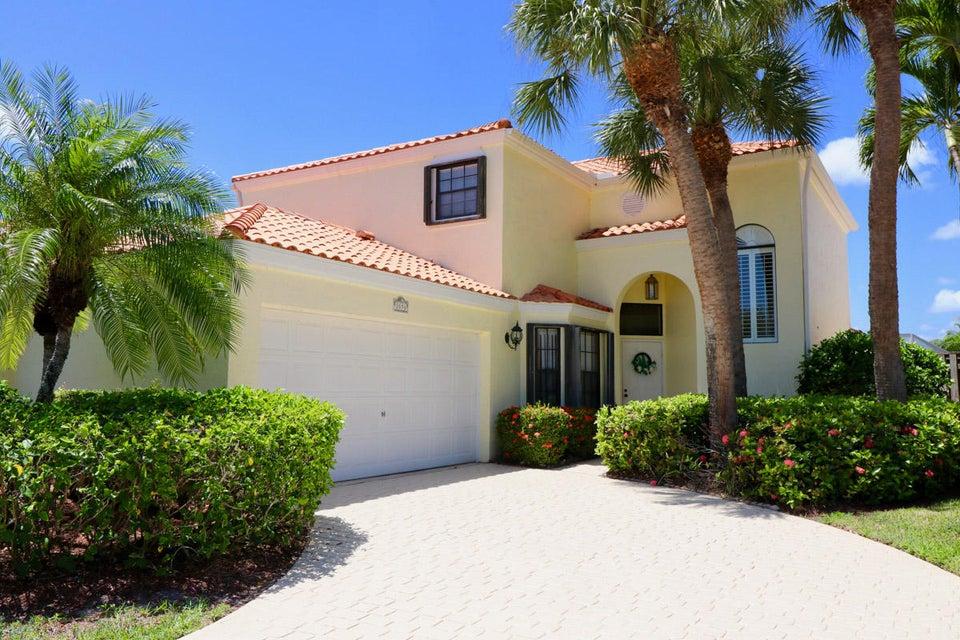 2656 La Lique Circle , Palm Beach Gardens FL 33410 is listed for sale as MLS Listing RX-10361022 22 photos