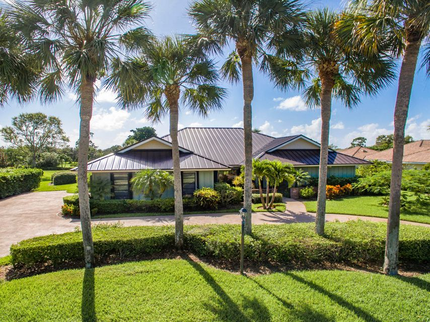 Single Family Home for Sale at 6441 SE Winged Foot Drive 6441 SE Winged Foot Drive Stuart, Florida 34997 United States