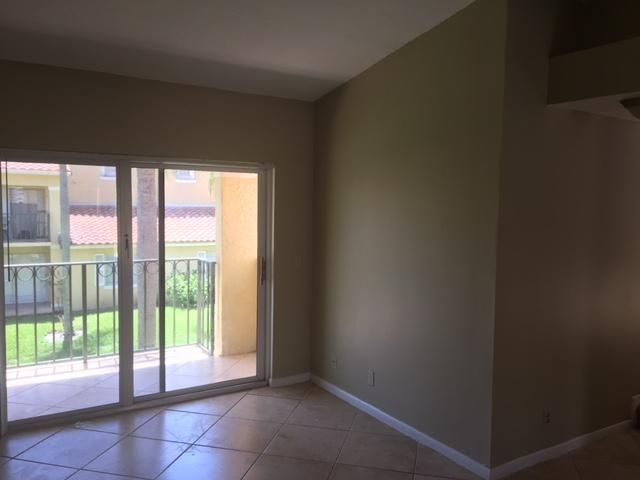 Additional photo for property listing at 1110 Lake Shore Drive 1110 Lake Shore Drive Lake Park, Florida 33403 United States