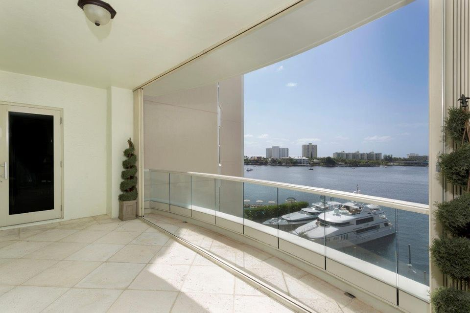 Additional photo for property listing at 600 SE 5th Avenue 600 SE 5th Avenue Boca Raton, Florida 33432 United States