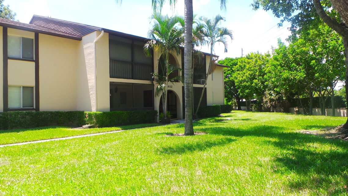 Additional photo for property listing at 402 Pine Glen Lane 402 Pine Glen Lane Greenacres, Florida 33463 Estados Unidos