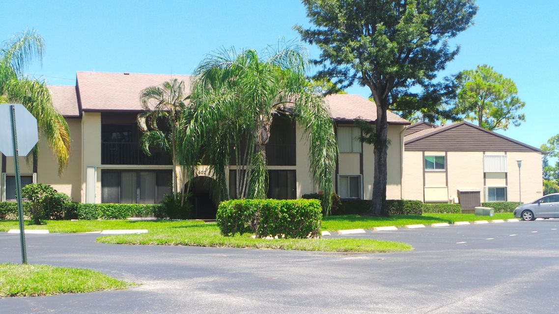 Additional photo for property listing at 402 Pine Glen Lane 402 Pine Glen Lane Greenacres, Florida 33463 États-Unis