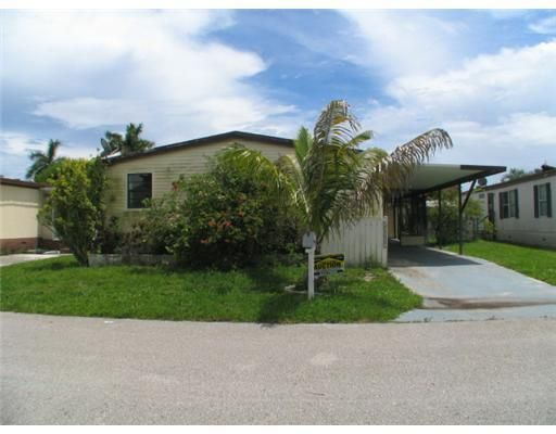 Mobile / Manufactured for Sale at 11954 Watergate Circle Boca Raton, Florida 33428 United States