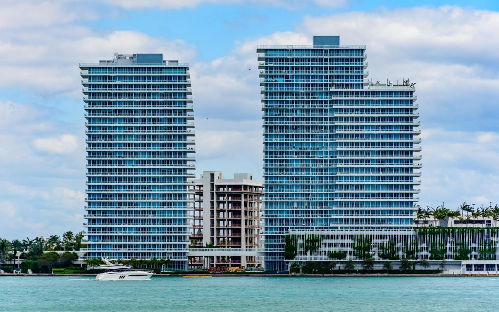 Co-op / Condo for Sale at 520 West Avenue 520 West Avenue Miami Beach, Florida 33139 United States