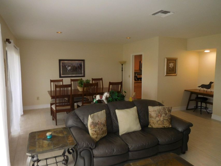 Co-op / Condo للـ Sale في 11355 Pond View Drive Wellington, Florida 33414 United States