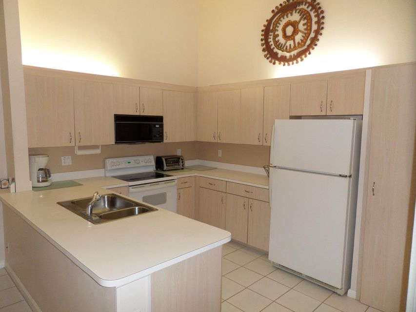 Additional photo for property listing at 184 Par Drive  Royal Palm Beach, Florida 33411 Vereinigte Staaten