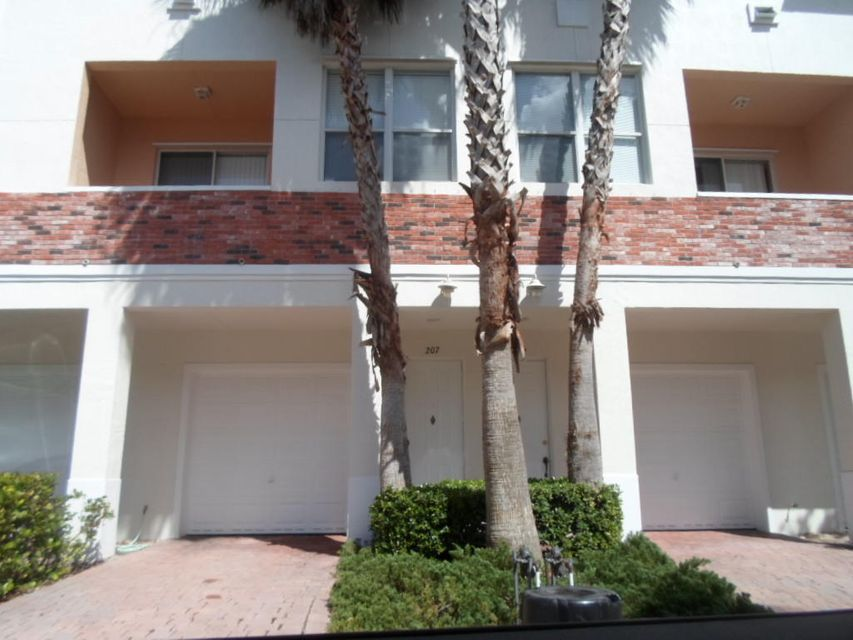 Co-op / Condo for Sale at 10520 SW Stephanie Way Port St. Lucie, Florida 34987 United States