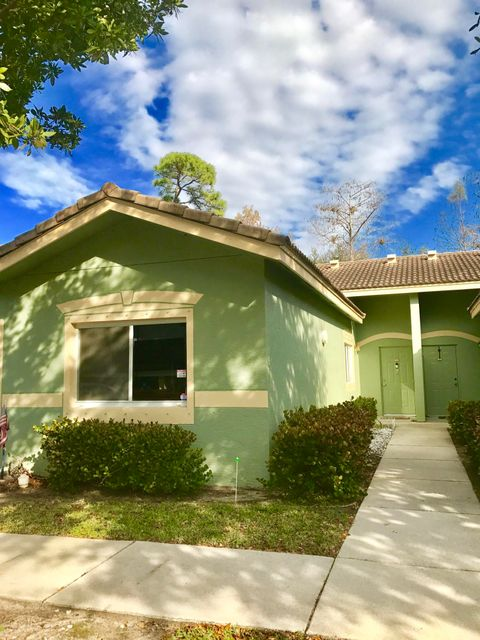 Co-op / Condo for Sale at 260 Crestwood Circle Royal Palm Beach, Florida 33411 United States