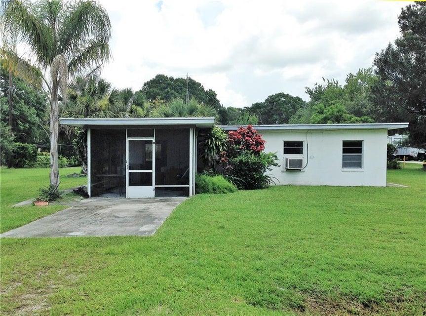 واحد منزل الأسرة للـ Sale في 74 N Willow Street Fellsmere, Florida 32948 United States