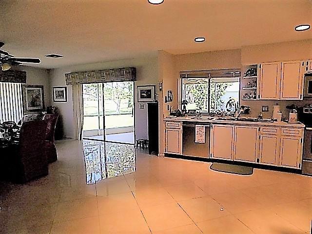 Additional photo for property listing at 3861 SE Fairway W  斯图尔特, 佛罗里达州 34997 美国