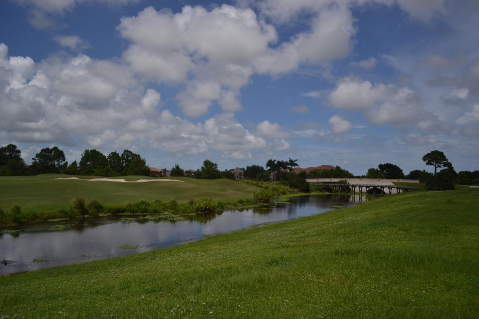 Additional photo for property listing at 113 SE Mira Lavella 113 SE Mira Lavella Port St. Lucie, Florida 34984 États-Unis