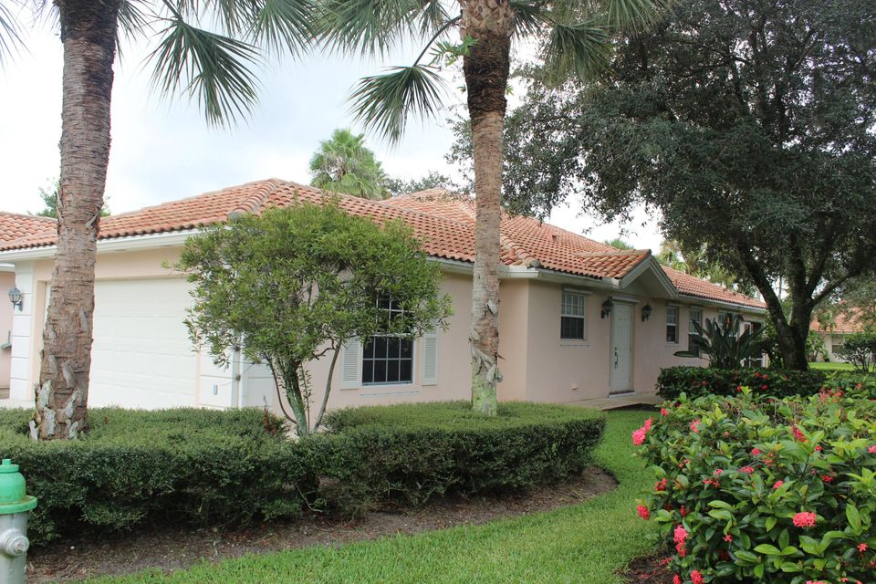 Villa for Sale at 7928 Olympia Drive West Palm Beach, Florida 33411 United States