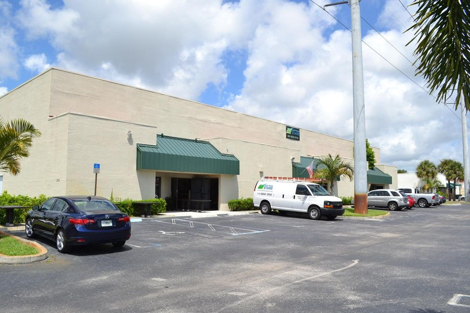 Comerciais / Industriais para Venda às 2901 Commerce Park Drive 2901 Commerce Park Drive Boynton Beach, Florida 33426 Estados Unidos
