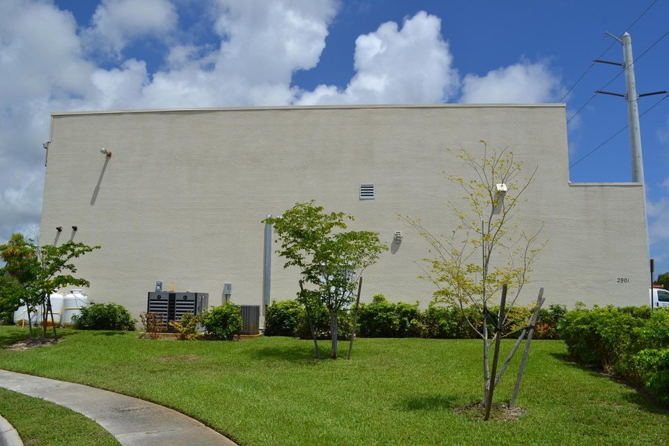 Additional photo for property listing at 2901 Commerce Park Drive 2901 Commerce Park Drive Boynton Beach, Florida 33426 United States