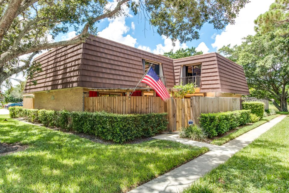 714 7th Lane , Palm Beach Gardens FL 33418 is listed for sale as MLS Listing RX-10361614 23 photos