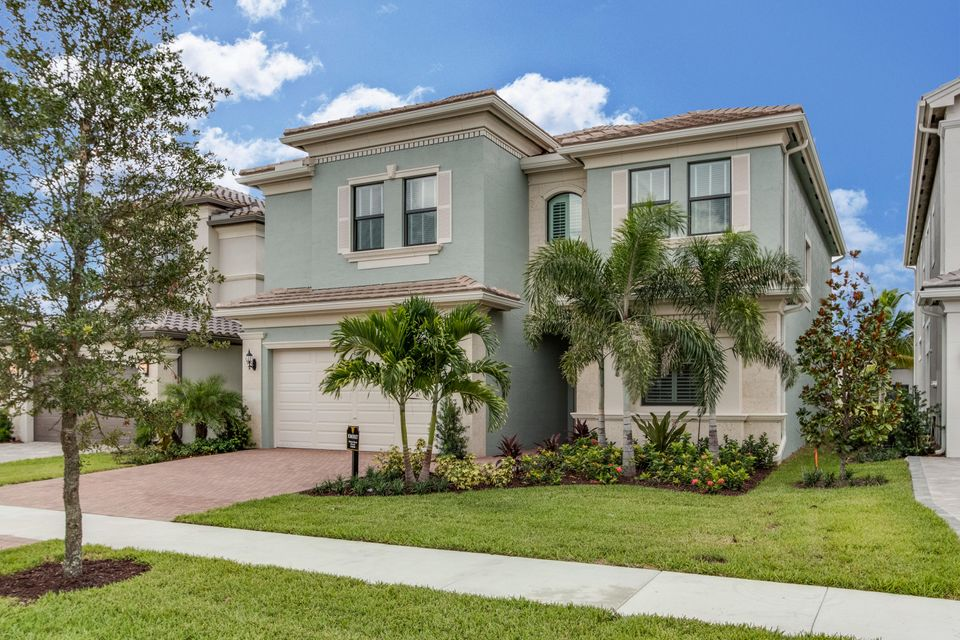 واحد منزل الأسرة للـ Sale في 9482 Eden Roc Court Delray Beach, Florida 33446 United States