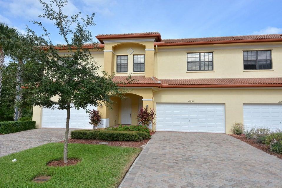 Townhouse for Sale at 6631 SE Woodmill Pond Lane Stuart, Florida 34997 United States