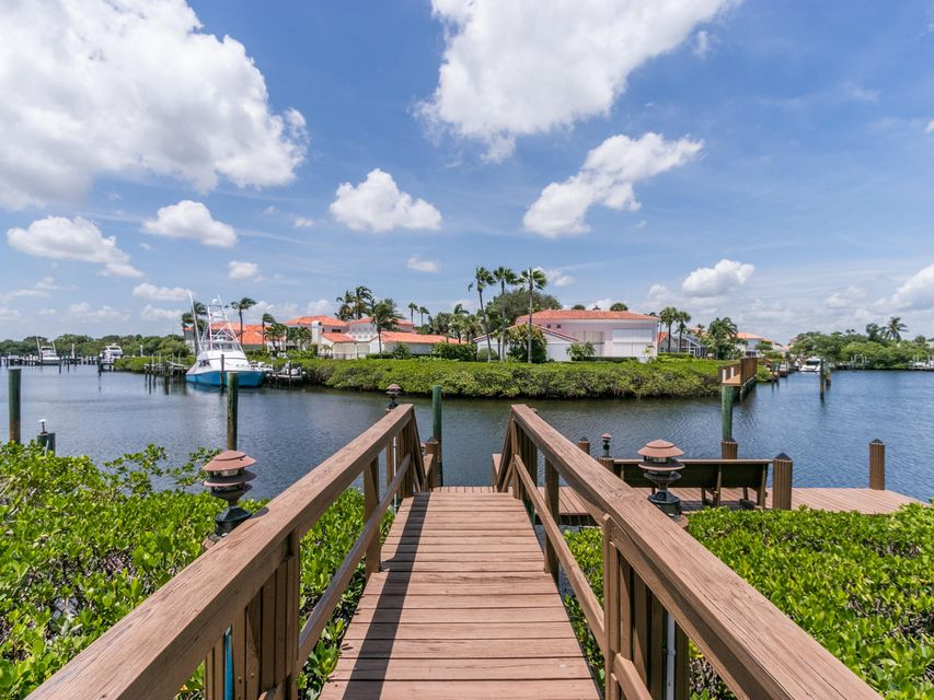 16709  Port Royal Circle , Jupiter FL 33477 is listed for sale as MLS Listing RX-10364175 photo #3