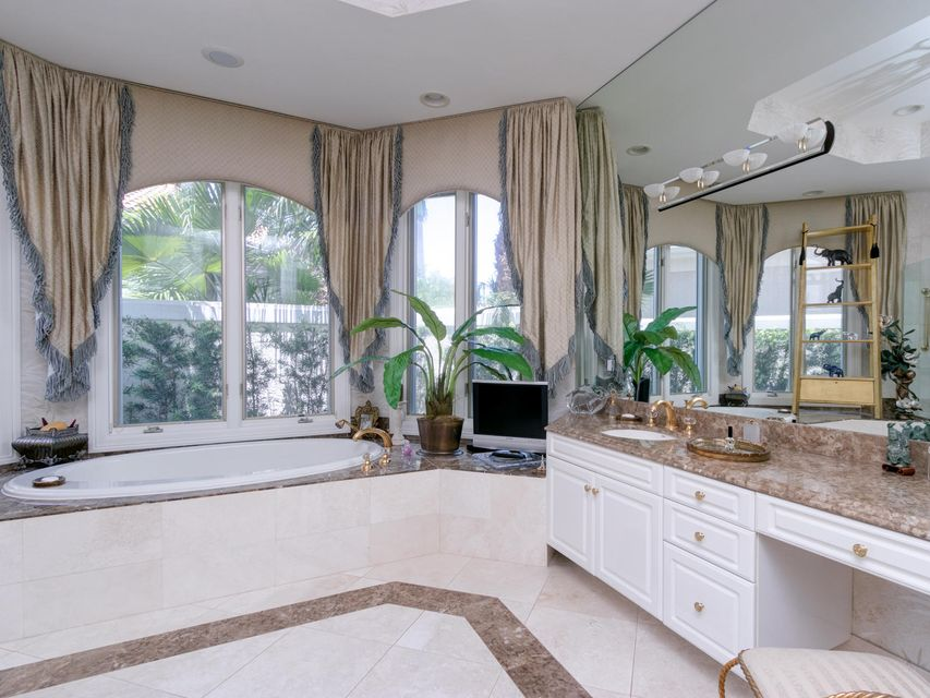 16709  Port Royal Circle , Jupiter FL 33477 is listed for sale as MLS Listing RX-10364175 photo #31