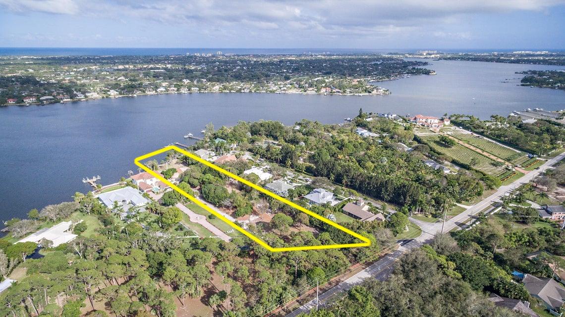 Частный односемейный дом для того Продажа на 19463 Camp Lane 19463 Camp Lane Jupiter, Флорида 33458 Соединенные Штаты