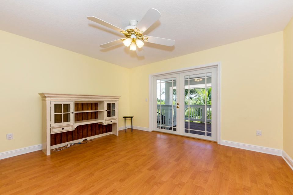 Additional photo for property listing at 3081 SW Harbour Bluff Place 3081 SW Harbour Bluff Place Palm City, Florida 34990 United States